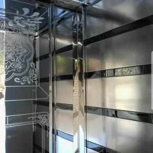 20180407_213636-300x300 تعمیر و بازسازی اتاق اسانسور